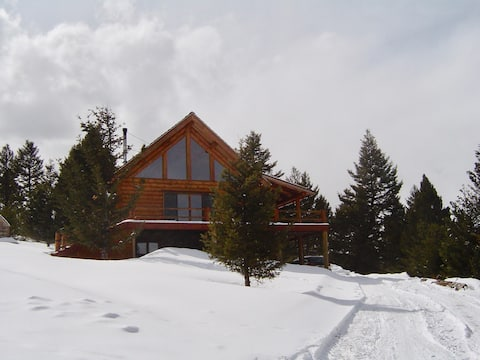 Quietside Retreat -Staycation with hot tub!