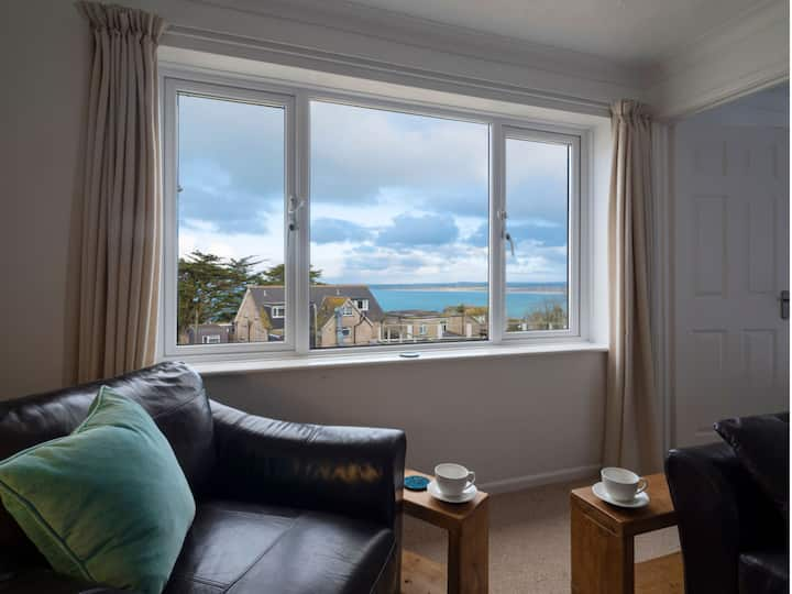 St Ives Apartment with Sea Views + Spa Experience