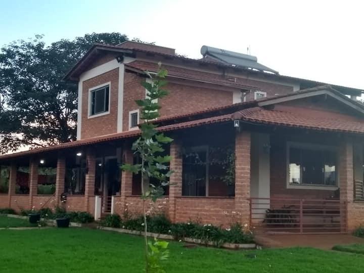 Sitio para aluguel de temporada ao pé da Serra.