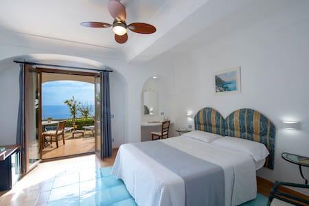 Deluxe Room Patio Sea View