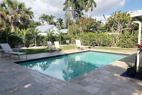 Near the Beach and 5th - Studio Guest Home & Pool