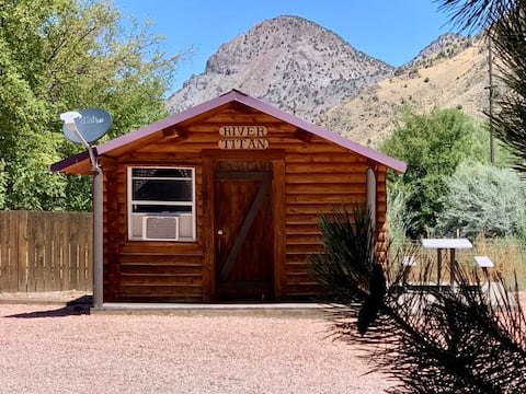 Studio Cabin for 2 on Paiute Trail, Marysvale, UT