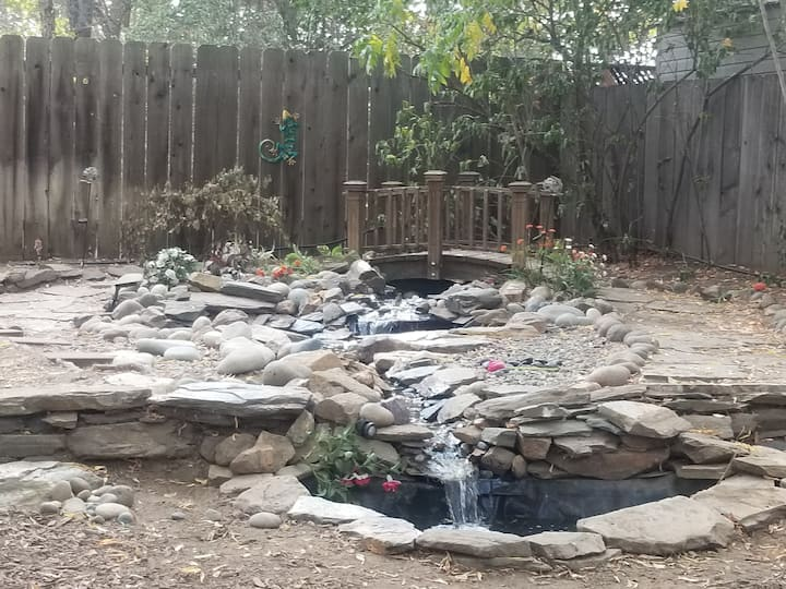 Bird bath waterfalls