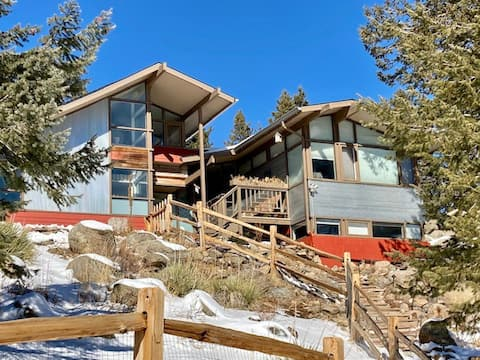 Mountain Suite - Hot Tub, Sky Deck with Epic Views