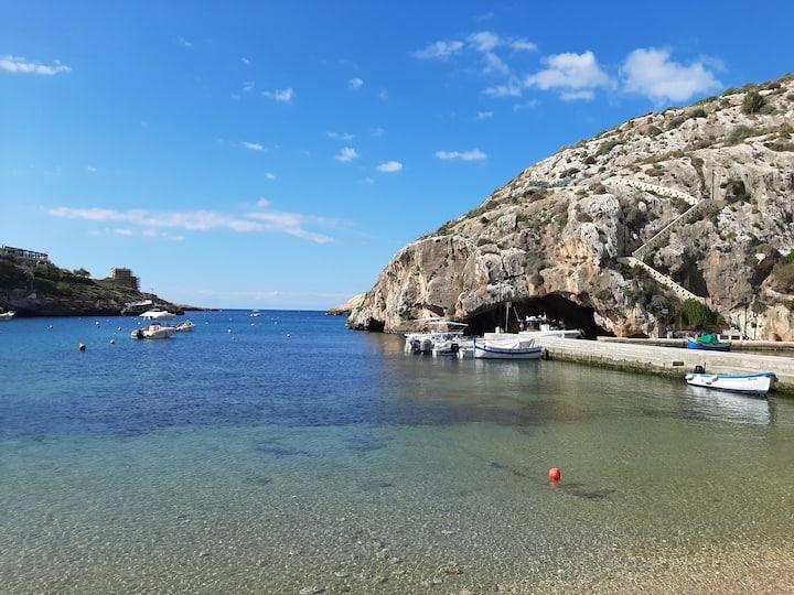 Splendid seafront view from Antros Aparment Xlendi