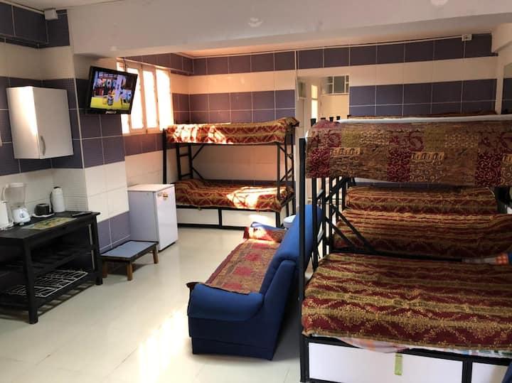 (5 $/p) 8 Bed Dorm . Grupo/Familia 4 a 8 EXCLUSIVE