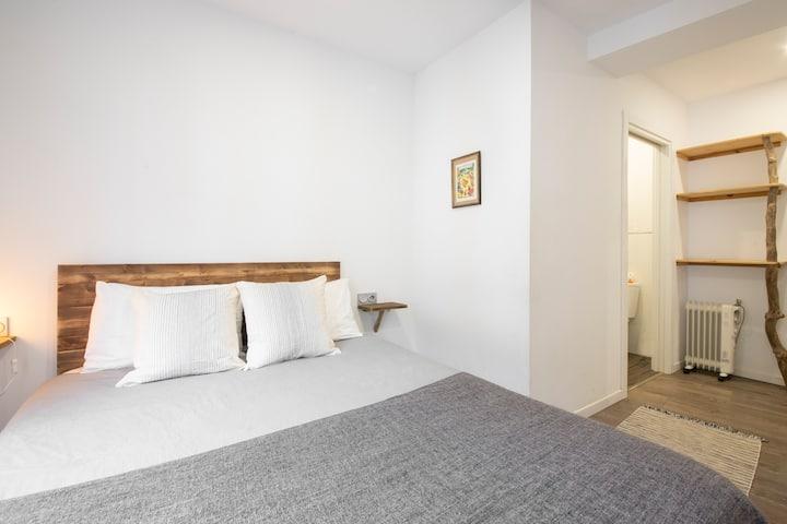 Peaceful and Tranquil room San Sebastian!