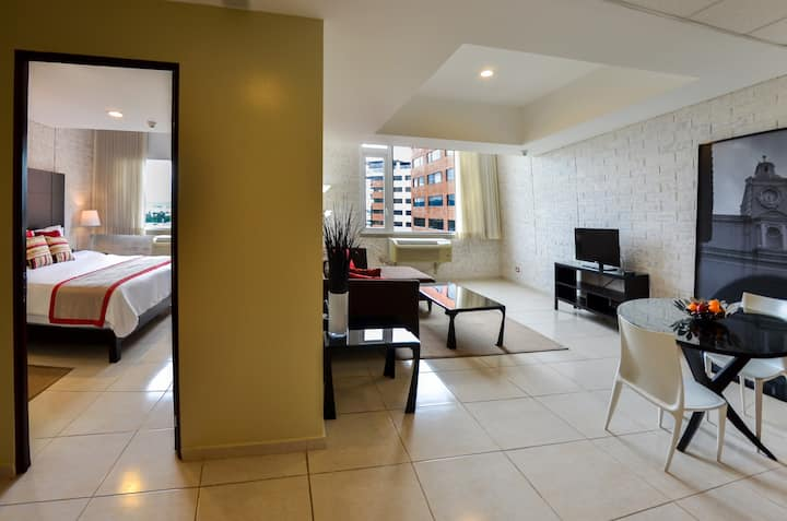 Apartment in exclusive area with view to the city