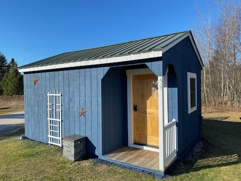 Cortland Sleeping Cabin @ Superior Orchards