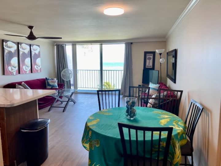 Newly remodeled beachfront penthouse, sleeps 8