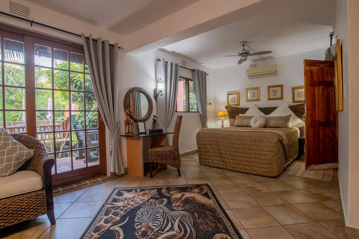 Elephant Coast Guesthouse Queen Room E