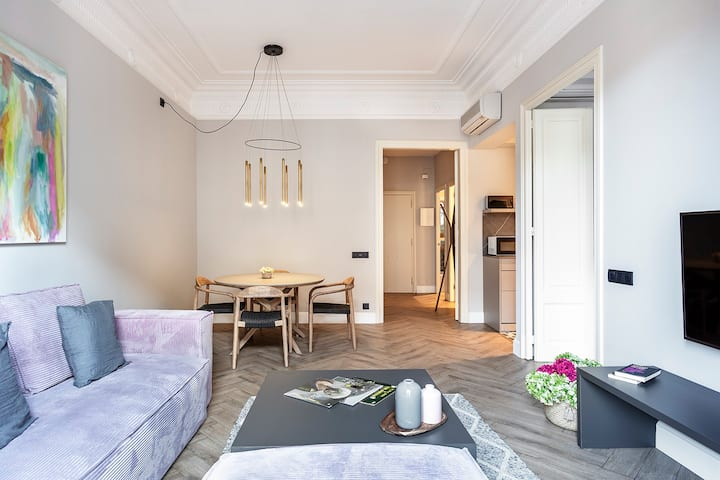 Two bedroom apartment downtown Barcelona
