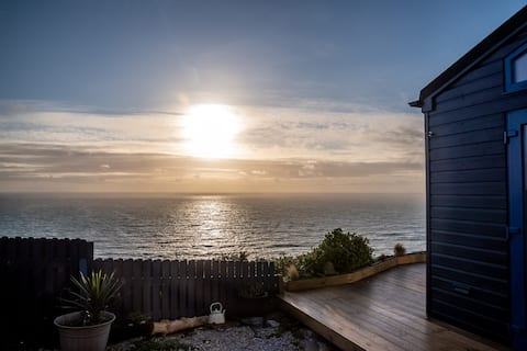 Blue Haze Chalet, Stunning Ocean Views.