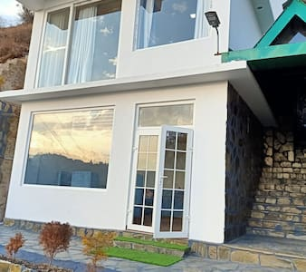 A cozy sunny valley view Accommodation in one of the most serene location of Shimla