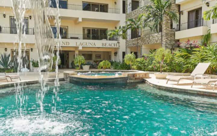 Beach access, luxury condo, two pools, restaurant