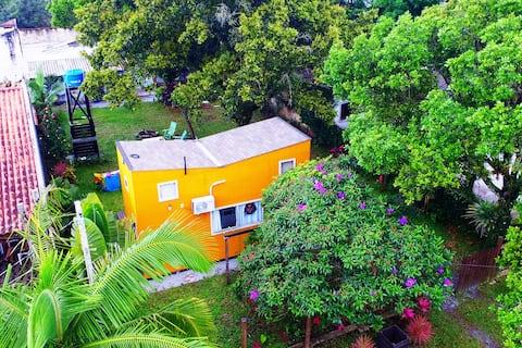 Tiny House Pontal do Sul: próximo a ilha do mel!