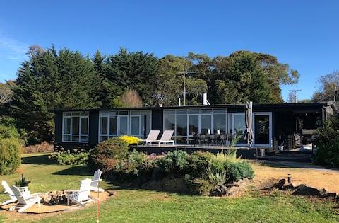 Classic 1960's Australian Beach House