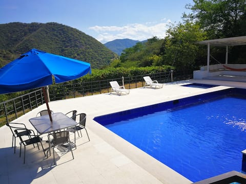 Apulo large and comfortable house
