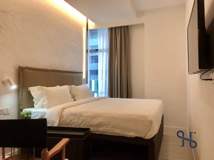 JIA【303】by Homesuite' | King-Bed | KK Times Square