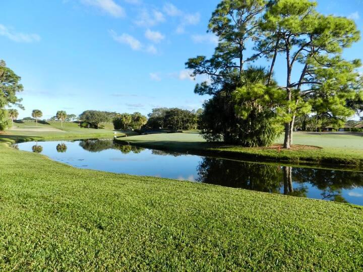 PGA National Golf Villa Beautiful Water Views
