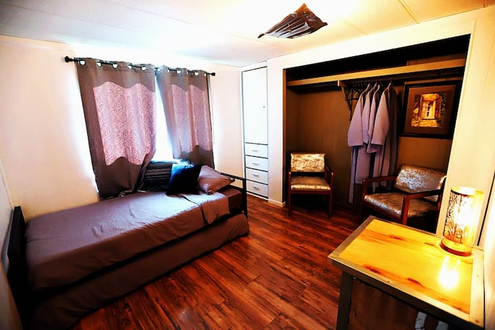 Spare Bedroom with 2 twin beds (the lower bed pulls out).