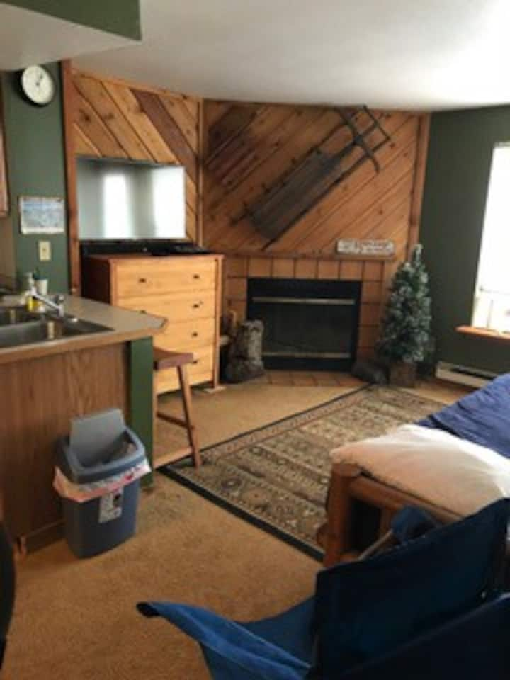 Quaint studio condo in stunning Brian Head Utah