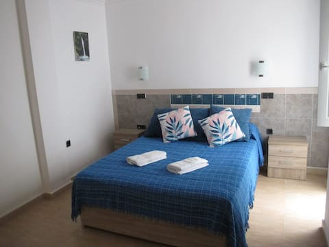 Moderno apartamento a 50 m del mar (con Wi-fi)