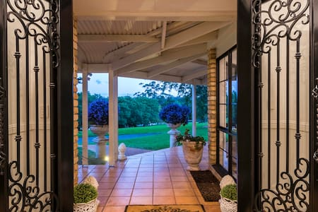 risanare has double front doors offering easy access.