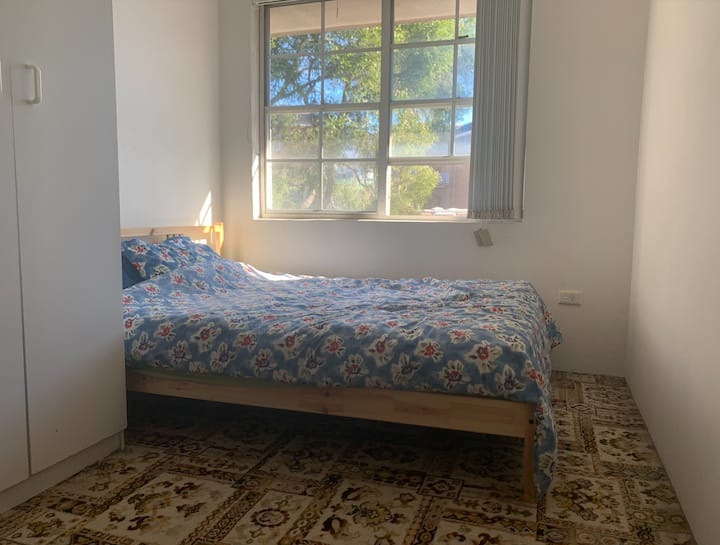 Private Room in Friendly Share-House, Strathfield