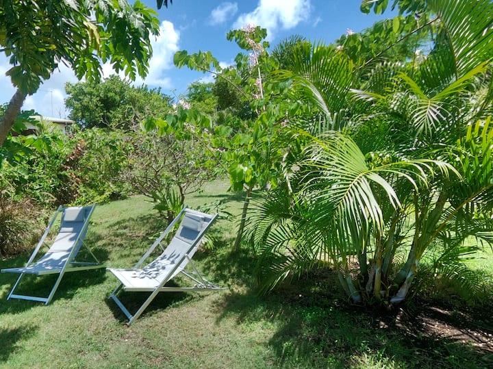 Villa KAKI tout confort à seulement 400m du lagon