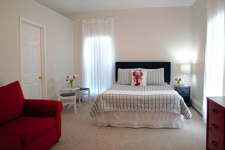 Blue Moose Bed & Breakfast - Room 6 (Capacity 2-3)