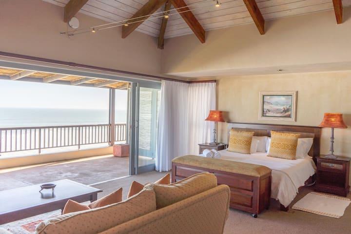 Dover on Sea - Main Suite Balcony & Sea View