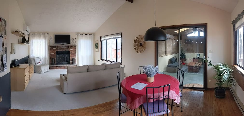 Poconos Hideaway @ A Great Value (up to 4 guests)
