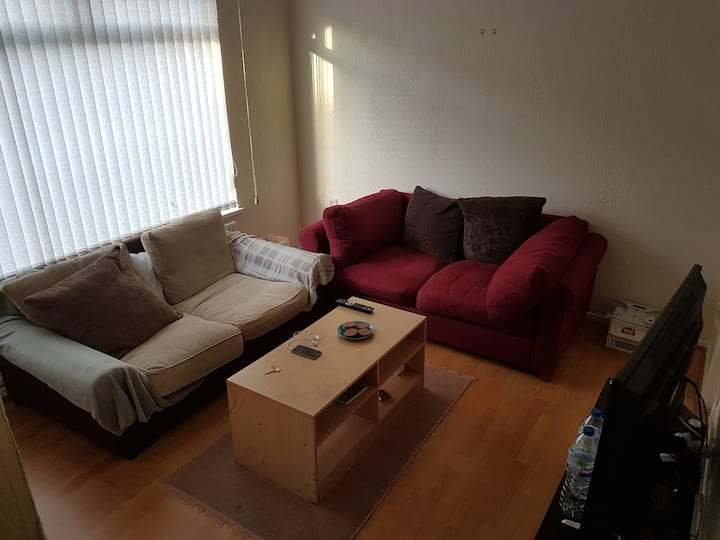 Double room available for long and short term