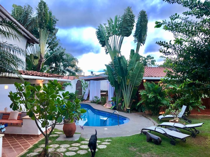 Dos elegantes y cómodas Casas cerca Playa Parguito