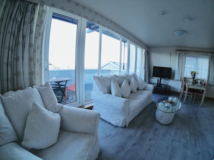 Cathedral & Sea View Suite