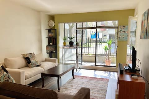 (!) Perfectly Central - your (wfh) home in Vancity