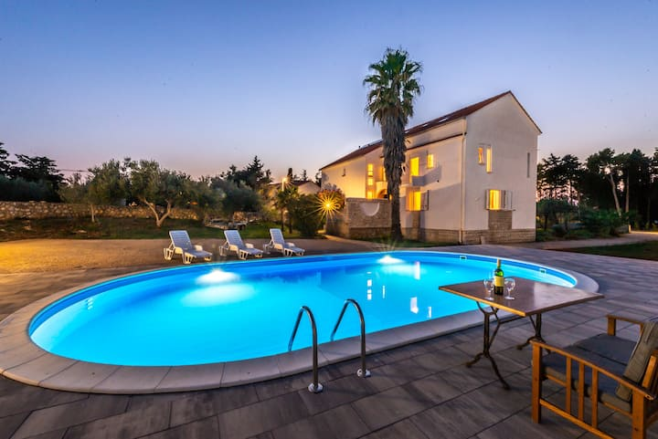 Villa Christina with pool for max. 9 people