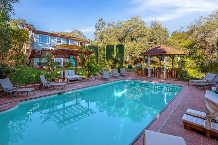 Sophisticated 4Br/4Ba Estate w/ Pool