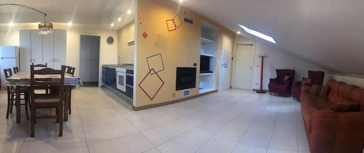 Mantova, Appartamento Mansardato