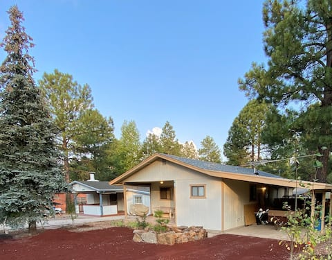 Munds Park Cottage in the Pines