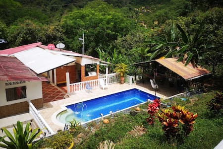 """Finca """"El Samano"""" piscina privada, tranquilo!"""