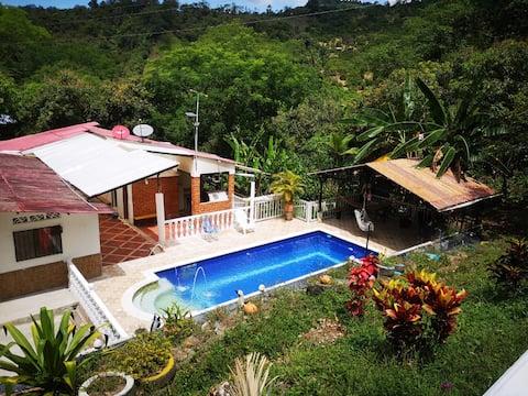 """Finca """"El Samano"""" private pool, quiet!"""