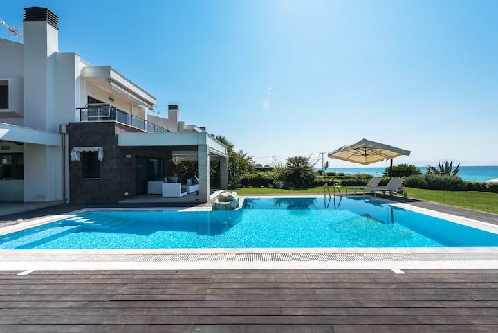 #Luxlikehome Possidi Glamourous Villa