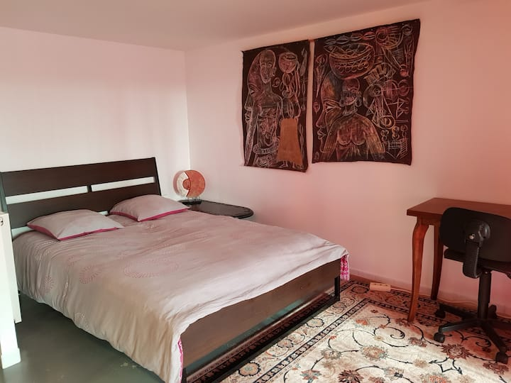 Ethnic room in a beautiful house in Nantes