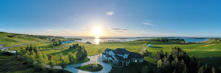 Spacious Antigonish Harbour waterfront home