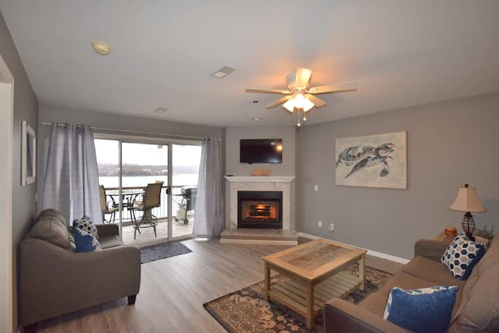 Ledges (10310)Updated -VERY CLEAN *Great lake view