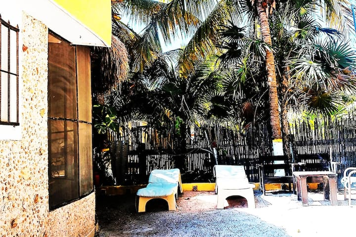 Antigua Beach Lodge:   Here we come !
