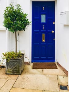 Level access to property up a smooth driveway with no steps into the flat. Suitable for wheelchair users. Well lit - motion sensor operated.