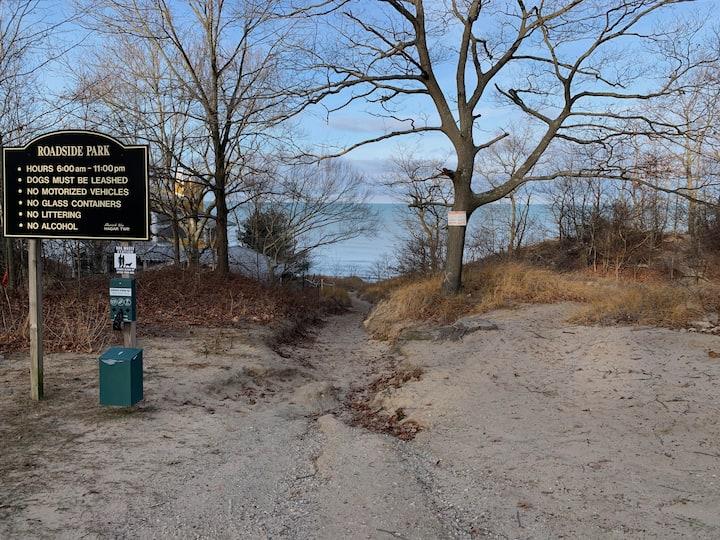 Secluded condo getaway near Lake Michigan